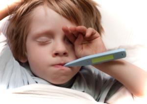 Что давать ребенку при поносе и температуре